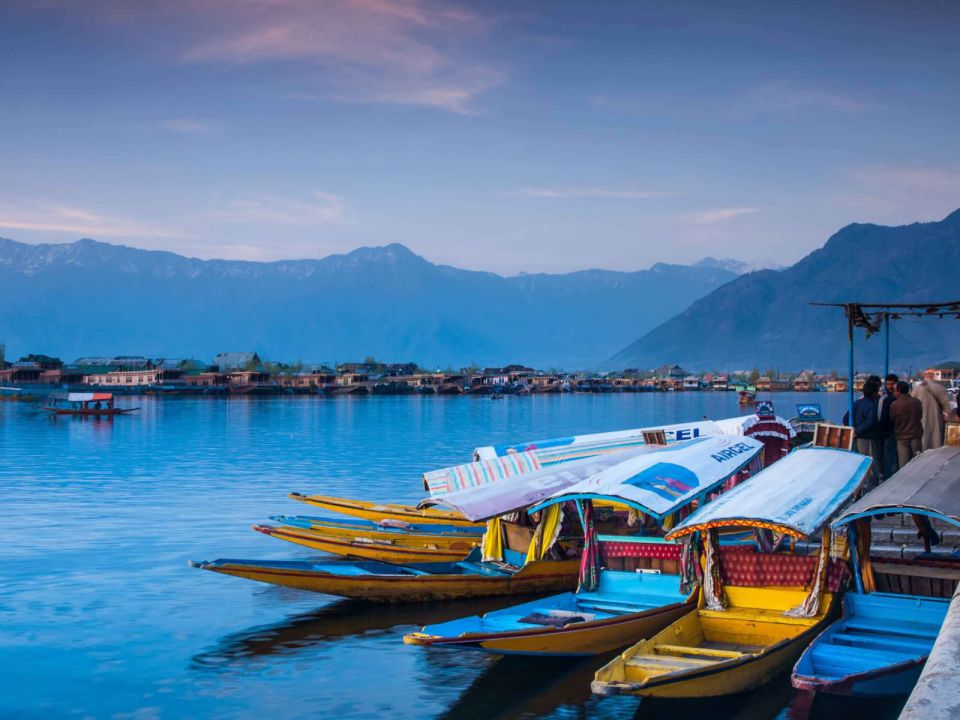 uploads/Beautiful-Boats-At-The-Dal-Lake.jpg