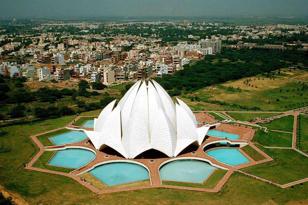 uploads/Beautiful_Lotus_Temple_in_Delhi_India_HD_Wallpaper.jpg